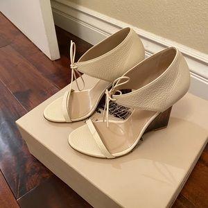 Brand new Burberry sandals-35.5